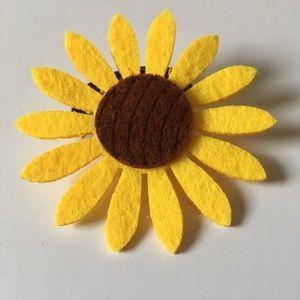 New women's sunflower hair hold